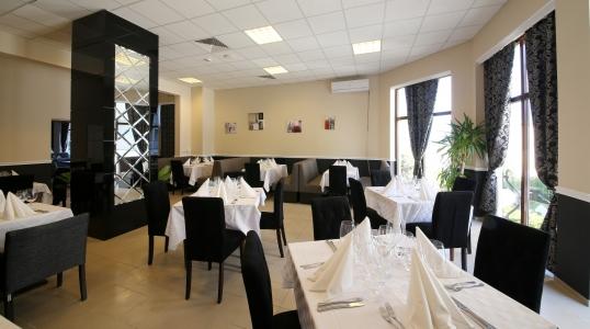 Baruri şi restaurante